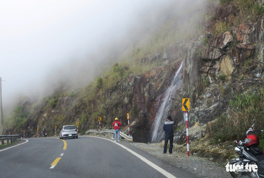 Checkin nơi nguy hiểm: đỉnh đèo Khánh Lê - Ảnh 2.