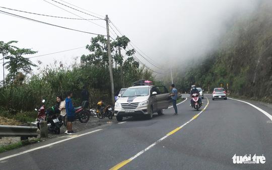 Checkin nơi nguy hiểm: đỉnh đèo Khánh Lê - Ảnh 3.