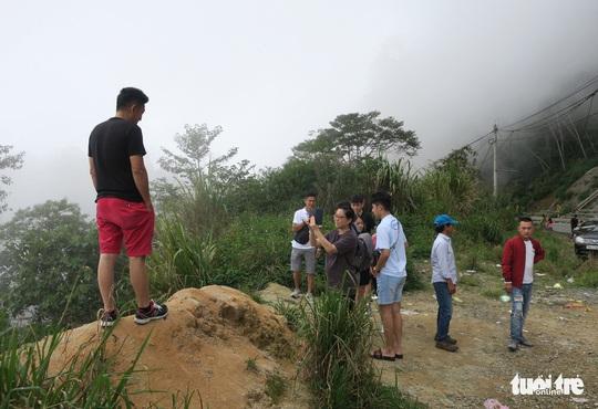 Checkin nơi nguy hiểm: đỉnh đèo Khánh Lê - Ảnh 8.