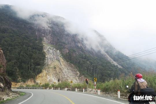 Checkin nơi nguy hiểm: đỉnh đèo Khánh Lê - Ảnh 9.