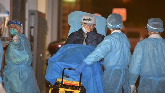 Hồng Kông xác nhận ca tử vong đầu tiên do virus corona - Ảnh 1.