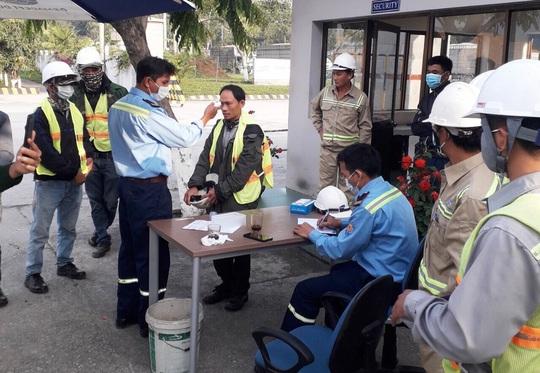 Nhiều lao động người Trung Quốc về quê ăn Tết trở lại Quảng Ngãi làm việc không bị cách ly - Ảnh 2.