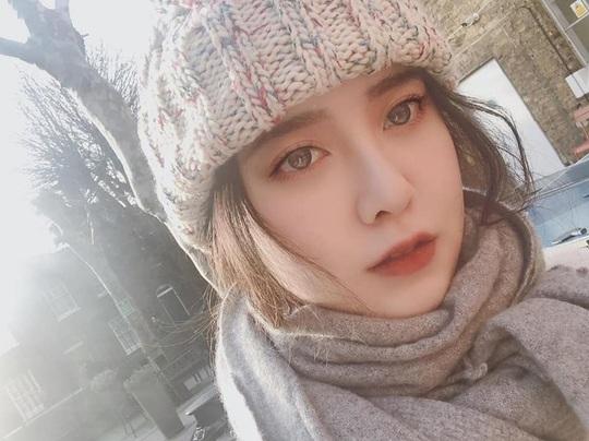 Nàng cỏ Goo Hye Sun vui vẻ du học sau bê bối ly hôn - Ảnh 2.