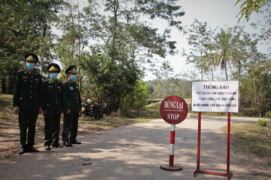 Chùm ảnh: Biên phòng Quảng Trị tạm đóng cửa khẩu phụ, để chặn dịch nCoV - Ảnh 4.