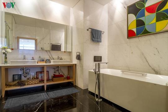 Căn hộ penhouse với phong cách đương đại thanh nhã - Ảnh 12.