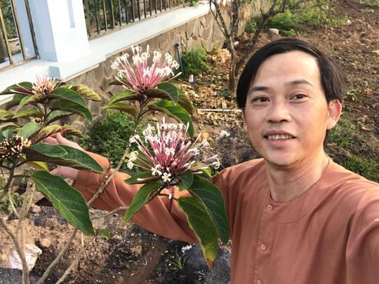 Cuộc sống an nhiên của danh hài Hoài Linh ở tuổi 51 - Ảnh 4.