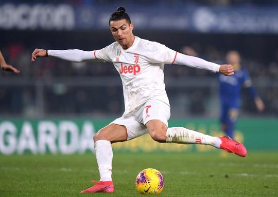 Ronaldo lập kỷ lục trong trận Juventus thua ngược - Ảnh 4.