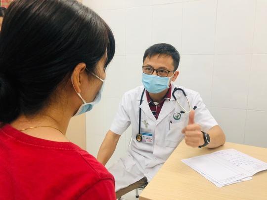 Bác sĩ giải thích vì sao dân văn phòng hay bị viêm đường tiết niệu - Ảnh 1.