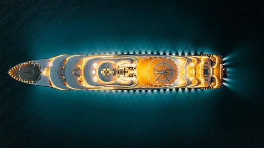 Cận cảnh siêu du thuyền của tỷ phú giàu nhất hành tinh - Ảnh 2.