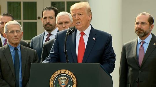 Tổng thống Mỹ tuyên bố tình trạng khẩn cấp toàn quốc - Ảnh 1.
