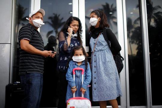 Mexico bác cáo buộc cho bệnh nhân Covid-19 lên máy bay - Ảnh 2.