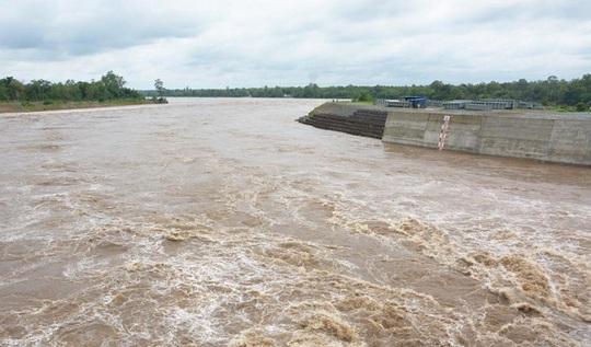 Campuchia tạm dừng các kế hoạch ở đập sông Mekong - Ảnh 2.
