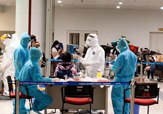 Việt Nam lên kế hoạch cung ứng thuốc cho 10.000 người mắc Covid-19 - Ảnh 1.