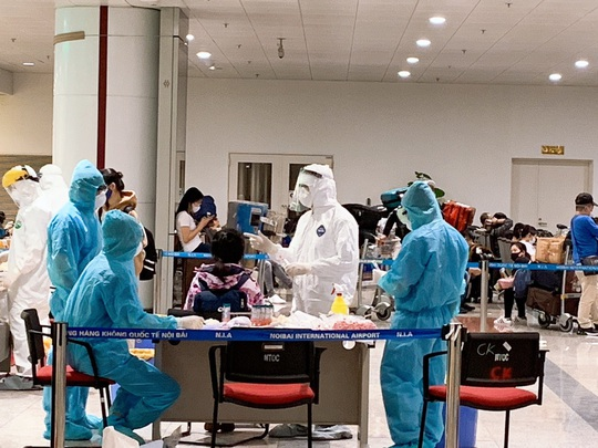 280 bác sĩ, y tá về hưu và 700 sinh viên y tình nguyện đi chống dịch Covid-19 - Ảnh 3.