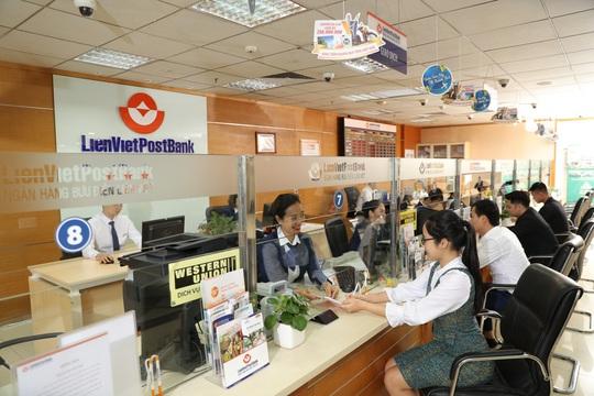 LienVietPostBank tăng vốn điều lệ lên gần 10.000 tỉ đồng - Ảnh 1.