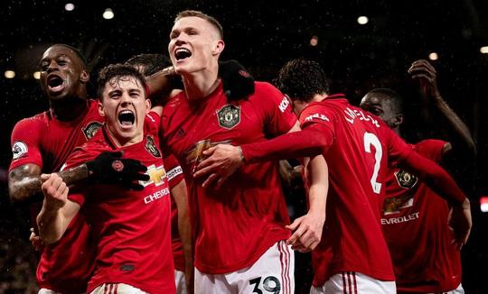 Man United trả 100 triệu bảng cho hợp đồng kỷ lục với thần đồng Sancho - Ảnh 1.