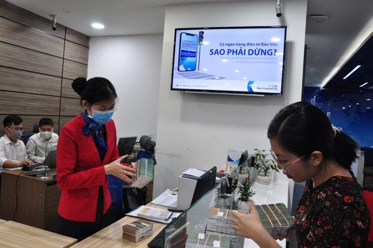 Ngân hàng Bản Việt tung nhiều chính sách hỗ trợ khách hàng ảnh hưởng dịch Covid-19 - Ảnh 1.