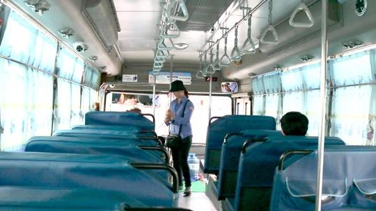 CLIP: Xe buýt TP HCM vắng khách kỷ lục! - Ảnh 2.