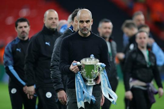 Man City lập hat-trick vô địch League Cup, Pep tiến sát kỷ lục - Ảnh 6.