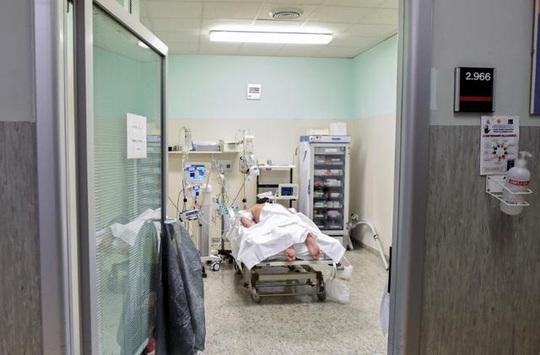 Covid-19: Bác sĩ Ý nói về trải nghiệm đau lòng nhất - Ảnh 3.