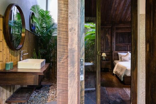 Ngôi nhà thiết kế truyền thống với phòng ngủ lơ lửng - Ảnh 8.