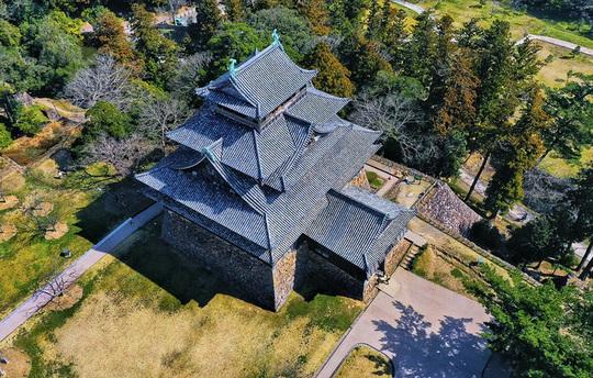Vẻ đẹp lâu đài gỗ Nhật Bản - Ảnh 2.
