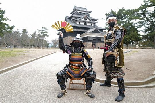 Vẻ đẹp lâu đài gỗ Nhật Bản - Ảnh 3.