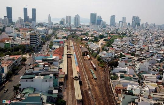 Dời ga Nha Trang để phục vụ dự án thương mại là sai lầm - Ảnh 3.