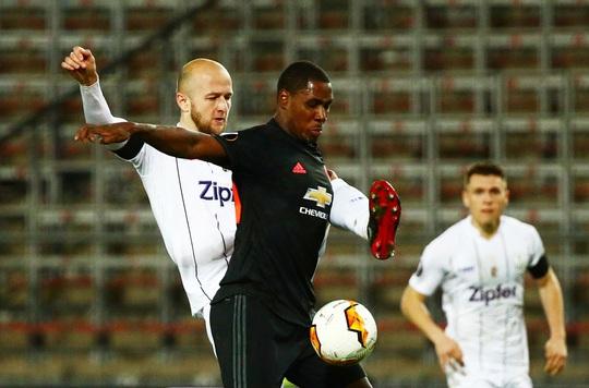 Man United sẽ chi 15 triệu bảng mua đứt chân sút Nigeria - Ảnh 1.