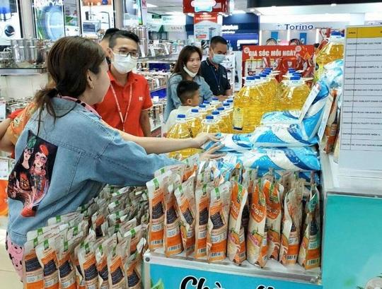 Điện máy Nguyễn Kim lấn sân bán gạo, muối, đường, dầu ăn… - Ảnh 1.
