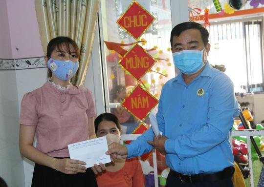 LĐLĐ Quảng Nam hỗ trợ 28 triệu cho giáo viên mầm non thất nghiệp vì dịch Covid-19 - Ảnh 1.