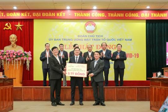 Tập đoàn Hưng Thịnh tài trợ 20 tỉ đồng cho y, bác sĩ nơi tuyến đầu chống dịch - Ảnh 1.