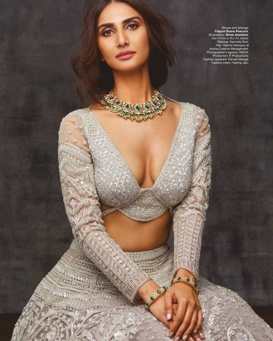 Mê mẩn ngắm mỹ nhân Ấn Độ nổi tiếng sở hữu vẻ đẹp siêu thực - Ảnh 6.