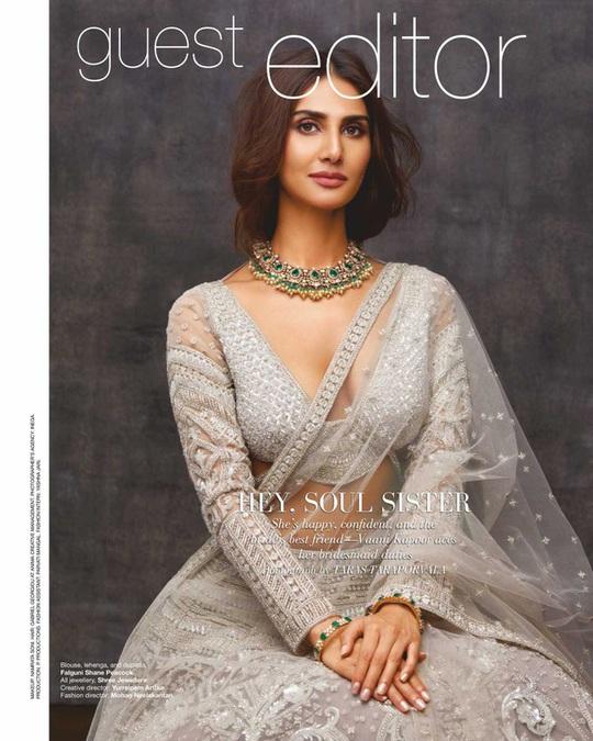 Mê mẩn ngắm mỹ nhân Ấn Độ nổi tiếng sở hữu vẻ đẹp siêu thực - Ảnh 8.