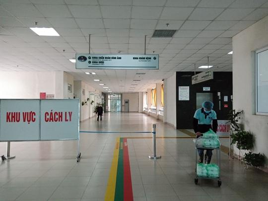 Đề xuất khử khuẩn Bệnh viện Bạch Mai, xét nghiệm toàn bộ nhân viên y tế, người bệnh - Ảnh 1.