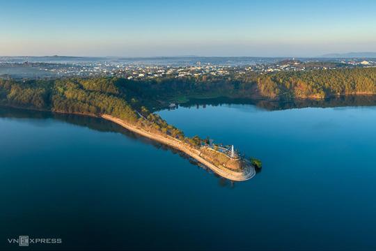 Biển hồ Pleiku - Ảnh 1.