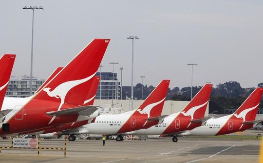 Hàng ngàn phi cơ nằm la liệt ở các sân bay trên thế giới - Ảnh 3.