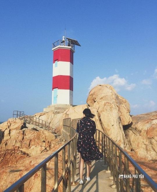 Hải đăng Gành Đèn – Vẻ đẹp hoang sơ đến nao lòng - Ảnh 5.