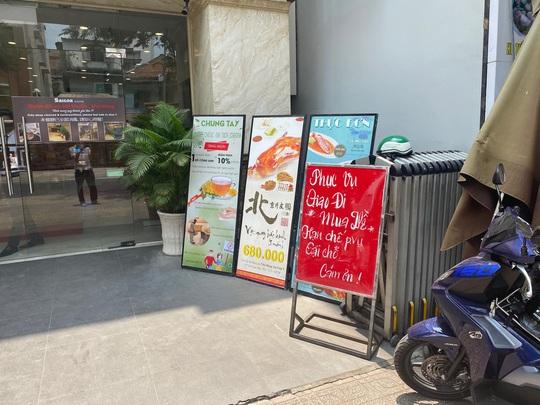 Nhiều quán ăn vẫn mở cửa bán kiếm đồng ra, đồng vào - Ảnh 8.