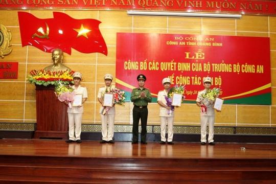 Công an Quảng Bình điều động và bổ nhiệm 7 cán bộ, lãnh đạo chủ chốt - Ảnh 1.