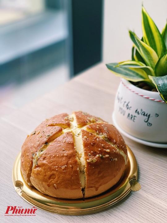 Giải mã món bánh mì đang khiến hội chị em truy lùng khắp nơi - Ảnh 2.