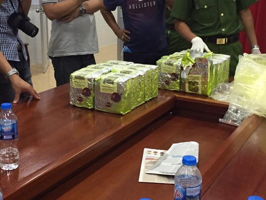 Phú Quốc: Bắt đối tượng mua bán ma túy đá lúc 0 giờ - Ảnh 2.