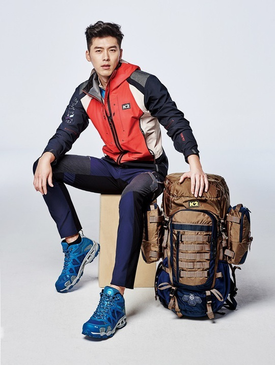 Hyun Bin gây sốt với loạt ảnh cũ - Ảnh 4.