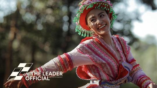 Hoàng Thùy Linh lập kỷ lục với 8 giải thưởng ở Làn Sóng Xanh 2019 - Ảnh 1.