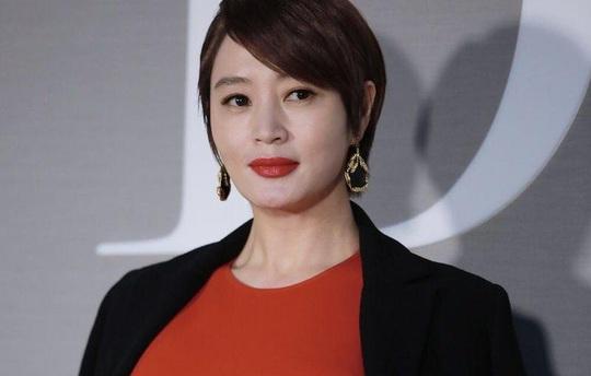 Kim Hye Soo - sự nghiệp lừng lẫy, đời tư sóng gió - Ảnh 4.