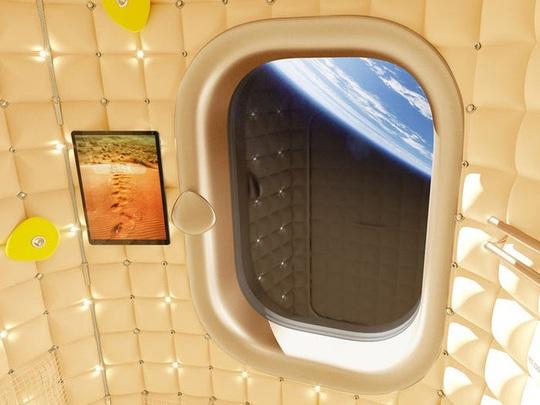 Bên trong ngôi nhà xa xỉ trên vũ trụ - Ảnh 6.