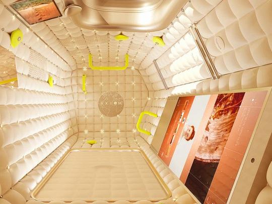 Bên trong ngôi nhà xa xỉ trên vũ trụ - Ảnh 8.