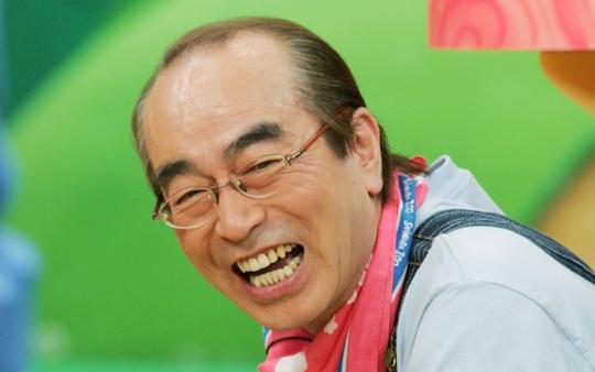 Vua hài Nhật Bản qua đời do mắc Covid-19 - Ảnh 2.