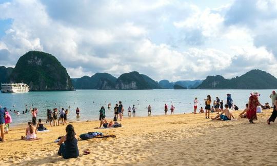 10 vùng biển đẹp nhất Việt Nam. - Ảnh 6.