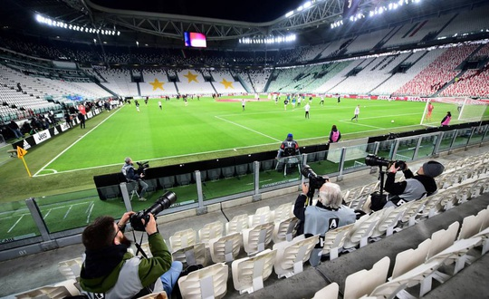 Serie A sắp đổ vỡ, fan Juventus chê cúp vô địch - Ảnh 2.